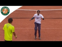 Taneczna bitwa Monfilsa i Lokoli na kortach Rolanda Garrosa