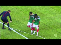 Sędzia opryskał buty piłkarzom Meksyku