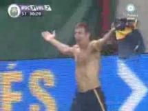 Gol głową z 40 metrów - zobacz bramkę Martina Palermo