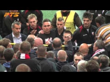 Piłkarz Polonii chce się bić z kibicami