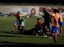 Gigantyczna burda i 12 czerwonych kartek w meczu Ligi Argentyńskiej