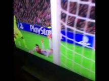 Słupek Arka Milika w meczu z Barceloną