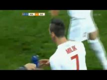 Piękny gol Milika z rzutu wolnego w meczu ze Szwajcarią