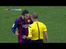 Jordi Alba skopał rywala z Malagi
