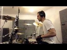 Petr Cech gra na perkusji!