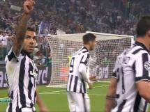 Gol Teveza na 2:1 z rzutu karnego