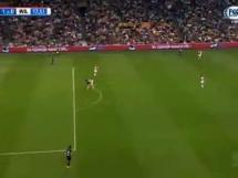 Gol Milika w meczu z Willem II
