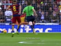 Barcelona deklasuję Real