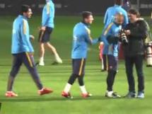 Messi założył 'siatkę' Suarezowi na treningu