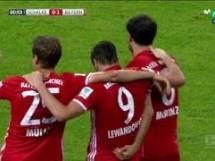 Lewandowski z kolejną bramką! Bayern prowadzi!