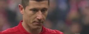 Lewandowski wykorzystuje rzut karnego z RB Lipsk