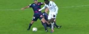 Balotelli fauluje Lewczuka i dostaje czerwoną kartkę!