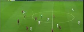 Niesamowity gol z 50-metrów Depaya!