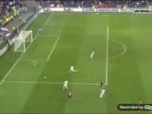 Kuriozalny błąd obrony Besiktasu w meczu z Lyonem