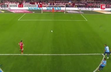 Gol Lewandowskiego z Leverkusen! Zadecydował VAR! [Wideo]
