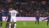 Neymar wykorzystał rzut wolny z Dijon! [Wideo]