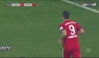 Bramka Lewandowskiego z Schalke 04! [Wideo]