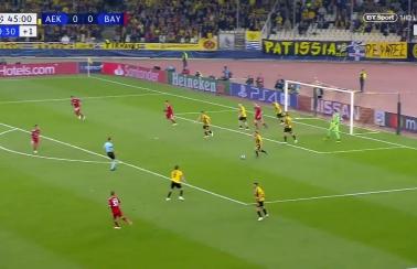 Bramka Lewego! Bayern pokonał AEK! [Wideo]