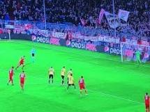 Gol Lewandowskiego przeciwko AEK!