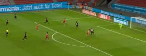 Gol Lewandowskiego na 2:1 w meczu z Bayerem! Polak daje zwycięstwo Bawarczykom