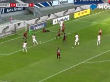 Gol Lewandowskiego w meczu z Frankfurtem! 26. bramka w tym sezonie Bundesligi [WIDEO]