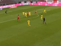 Gol Lewandowskiego w meczu z FC Koln! Polak trafia 27 raz w tym sezonie Bundesligi [WIDEO]