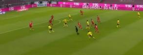 Haaland strzela na 1:0! Borussia Dortmund prowadzi z Bayernem [WIDEO]