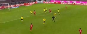 Gol Lewandowskiego na 4:2 w meczu z Borussią! Bayern wygrywa w hicie kolejki [WIDEO]