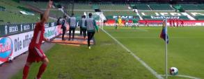 Lewandowski strzela bramkę Werderowi! Kolejny gol Polaka w Bundeslidze [WIDEO]