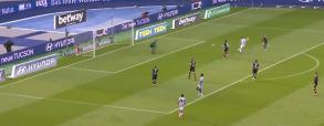 Piątek zdobywa gola na 1:0 w meczu z Freiburgiem! Polak daje prowadzenie w 13. minucie [WIDEO]