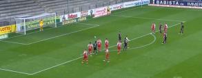 Lewandowski strzela 40. gola w tym sezonie Bundesligi! Polak wyrównuje rekord Gerda Mullera [WIDEO]