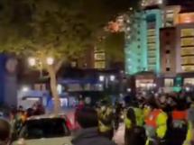 Kibice Chelsea oddali hołd N'Golo Kante! Fani zabrali się pod Stamford Bridge [WIDEO]