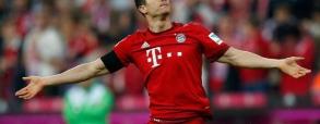 Dublet Lewego! Drugi gol w meczu z Schalke!
