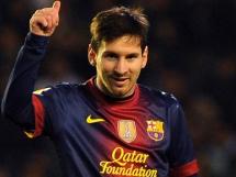 Messi na 1-1! Piękny strzał z rzutu wolnego!