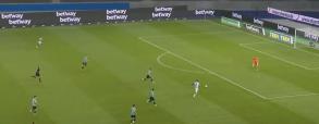 Krzysztof Piątek strzela na 3:0 w meczu z Schalke! Kapitalne wejście Polaka