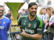 Juventus Turyn 2:1 Verona