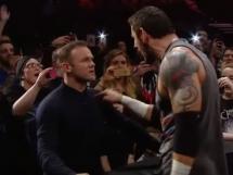 Wayne Rooney znokautował wrestlera!