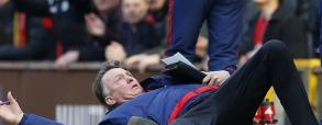 Louis van Gaal symuluje faul! Oscar dla trenera Manchesteru?