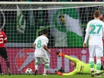 Wspaniała akcja i gol Wolfsburga na 2-1 z United!
