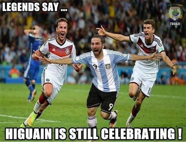 Legendy mówią, że Higuain nadal świętuje